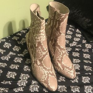 Genuine leather snakeskin boots
